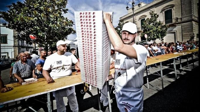 Martina Franca straccia record, 5.836 pizze in 12 ore