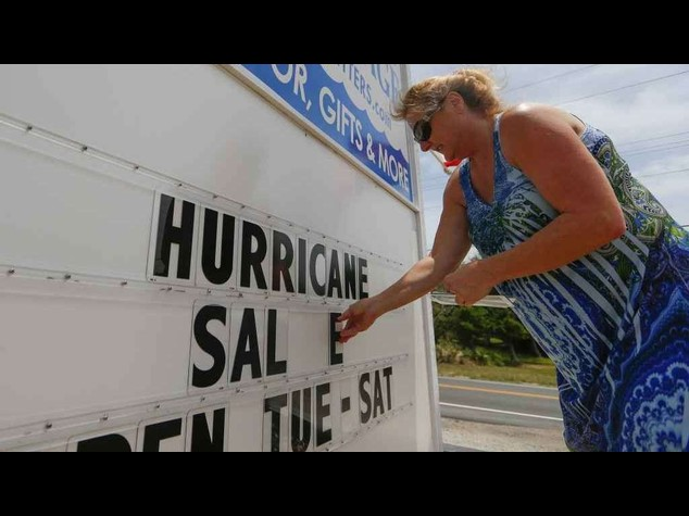 L'uragano Arthur punta sul Canada, ma perde potenza