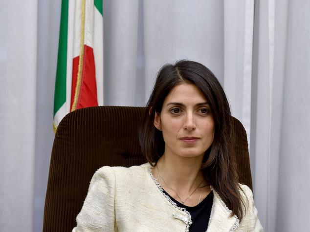 """Caos Roma, direttorio M5s """"Via Muraro e De Dominicis"""""""