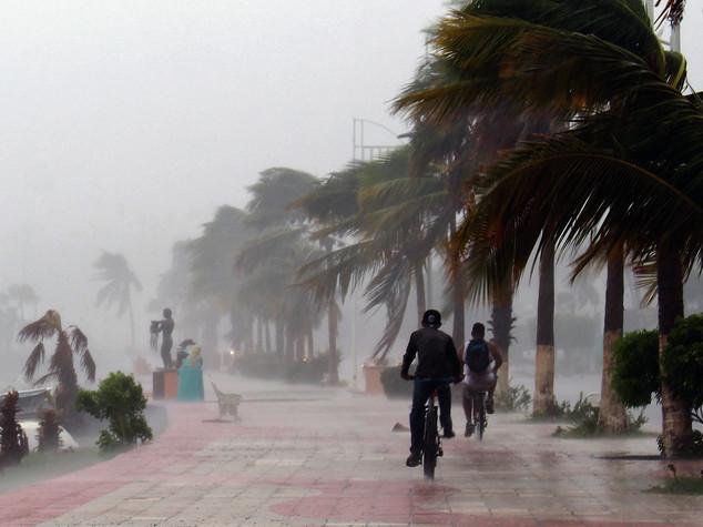 Tempesta Newton tocca terra di nuovo nel nord-ovest Messico