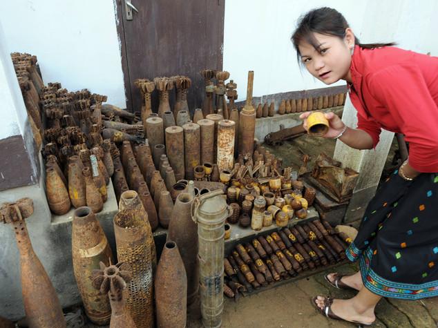 Due milioni di tonnellate di bombe, la guerra sporca degli Usa in Laos