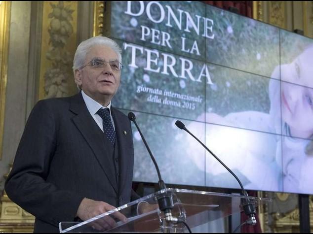 """Mattarella, omaggio alle donne  """"Senza di voi Italia piu' povera"""""""