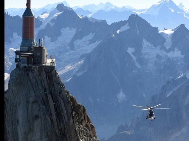 Incubo sul Monte Bianco, notte a 3mila metri per 45 persone