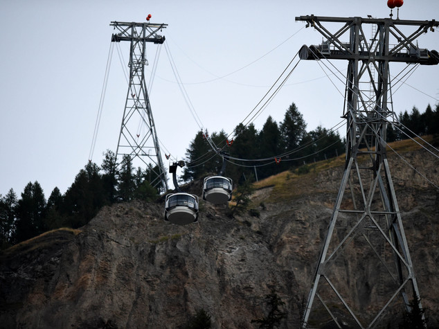 Monte Bianco, riparte la funivia. Salvi i 17 passeggeri