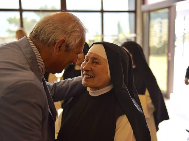 La solidarieta' per le suore di San Basilio all'Emiciclo
