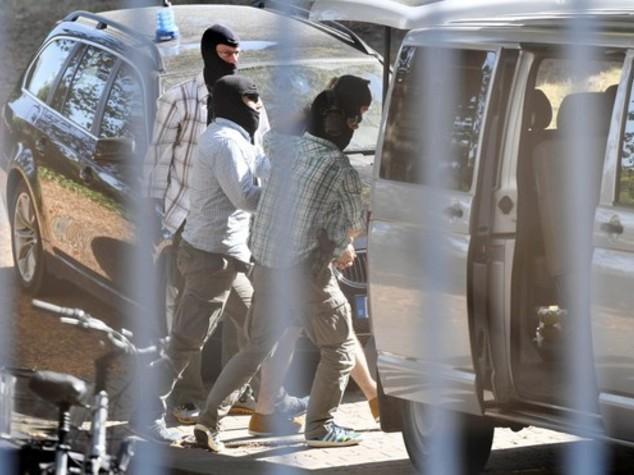"""Fermati 3 siriani in Germania, """"collegati a stragi Parigi"""""""