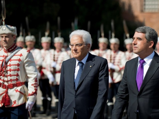 Mattarella, Ue stringa su Brexit e assuma ruolo per crisi Siria