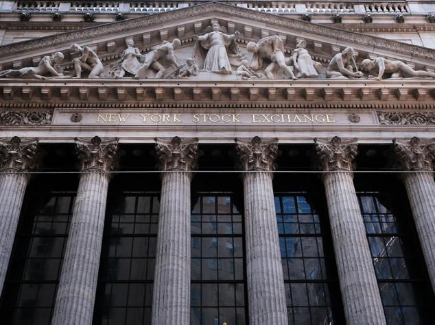 Wall Street, ancora incertezza: colpa del greggio