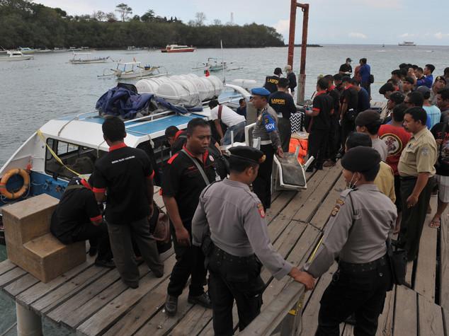 Esplode battello a Bali, due morti. Illesi i due italiani a bordo