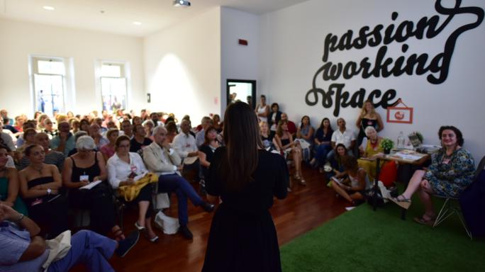 Host Airbnb fanno squadra, a Roma Home sharing club - Video