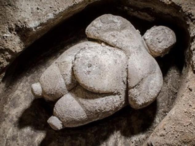 Turchia: statua di donna del neolitico ritrovata a Konya
