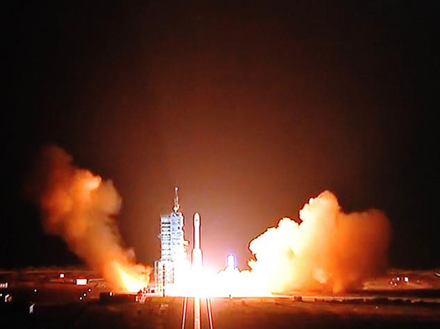 Spazio: lanciata Tiangong-2, la piu' lunga missione umana cinese
