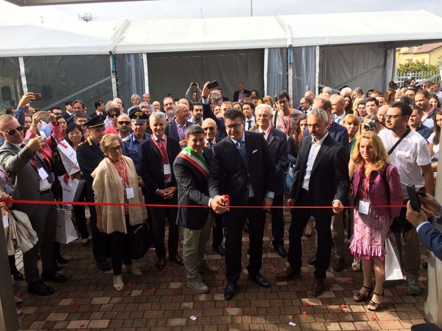 Mega quartier generale per i laser italiani che hanno conquistato il mondo - VIDEO