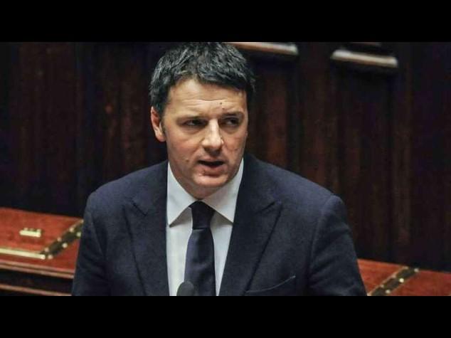"""Curro' lascia M5S, Renzi """"Collaborate o andrete in pezzi"""""""