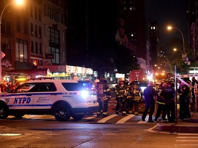 Cinque fermi a NY, allarme bomba in New Jersey