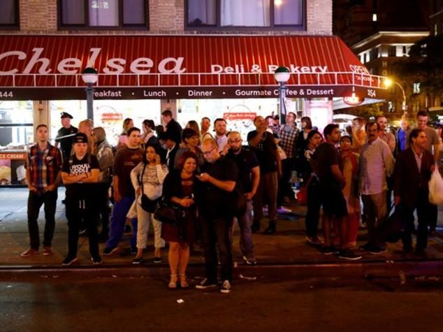 Caccia a due uomini per la bomba non esplosa a New York