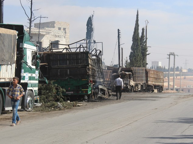 Strage in Siria, bombe su 18 camion convoglio aiuti
