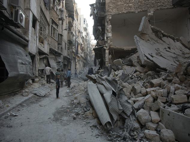 Bombe su clinica francese in Siria, morti 4 cooperanti