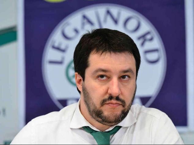 La sfida della Lega: proclama 'sciopero fiscale'. Salvini segretario fino al 2016