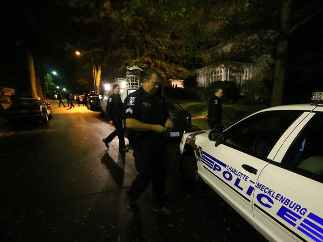 Usa, 12 agenti feriti dopo uccisione afroamericano