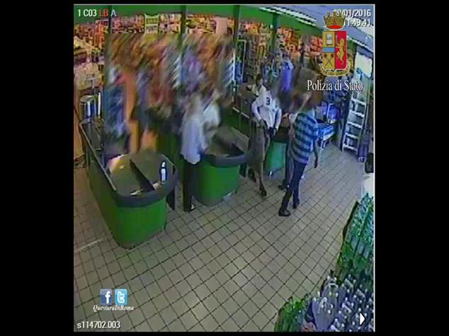 Tre rapine al supermarket in 15 giorni, arrestati