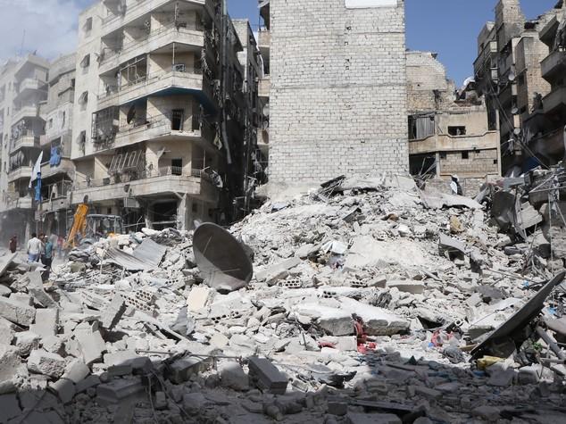 Siria, ripresi intensi i raid su Aleppo est. Diversi i morti