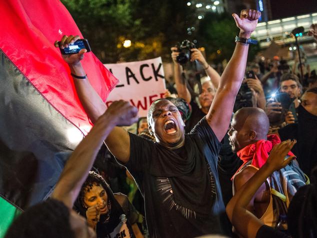 Nuovi scontri a Charlotte dopo morte di un manifestante