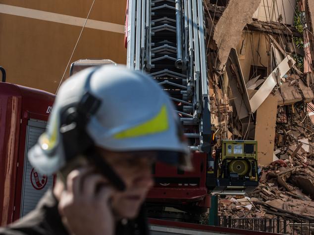 Tragedia sfiorata a Roma, crolla parzialmente palazzina gia' evacuata