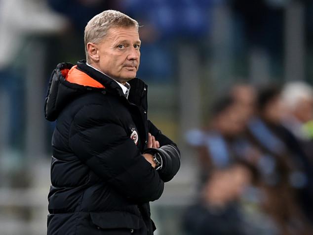 E.League, Dias arbitra S.Praga-Inter