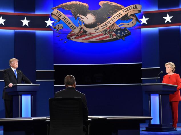 Clinton batte Trump nel dibattito tv. Scontro su economia, Isis e razzismo