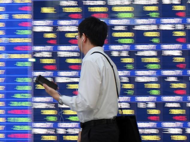 Borsa Tokyo: inizio settimana in netto rialzo,Nikke a +0,90%