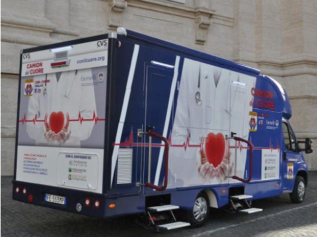 Salute: al Gemelli arriva Camion del Cuore, laboratorio mobile