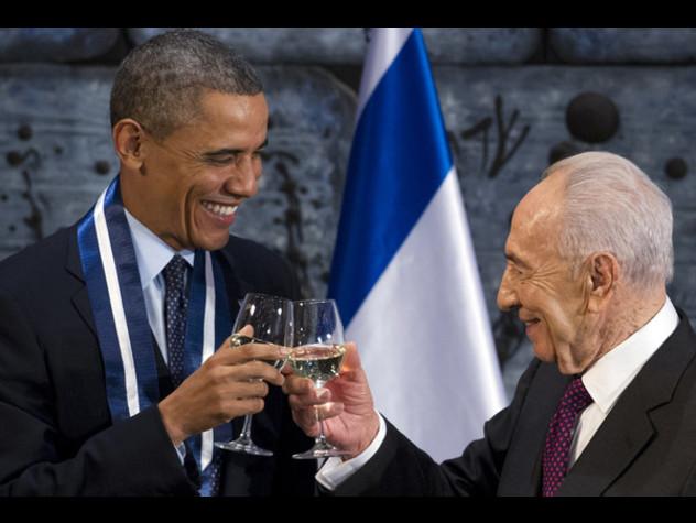 """Statista e uomo di pace, i leader mondiali ricordano """"l'amico"""" Peres"""