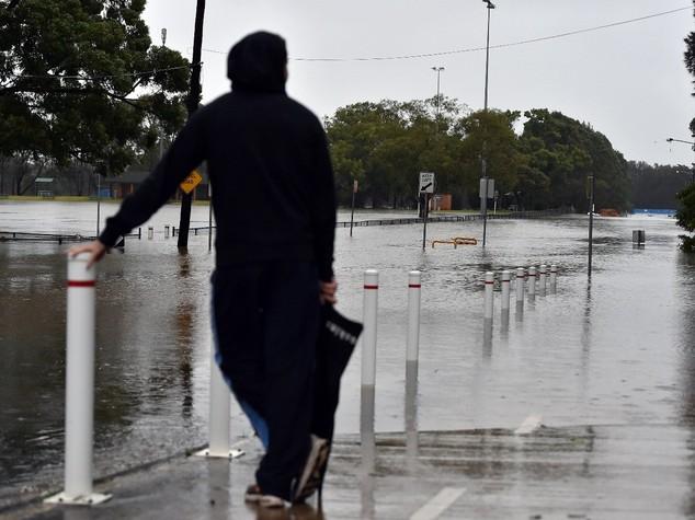 Australia, intero Stato in black out dopo violento temporale