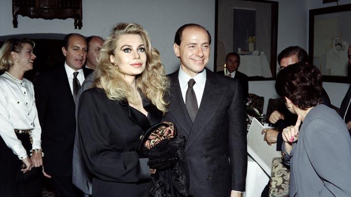 Perché la sentenza che ha rivoluzionato il divorzio non riguarda Berlusconi e Lario