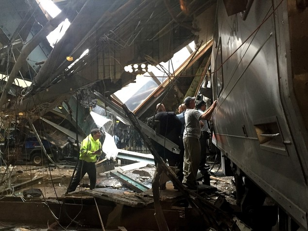 New Jersey, incidente ferroviario: un morto, oltre 100 feriti