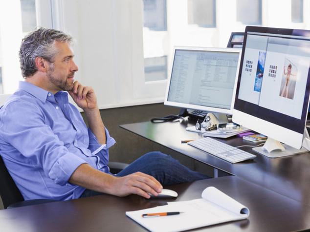 Cinquantenni in cerca di lavoro, competenze digitali necessarie