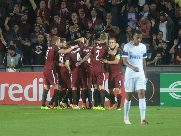 Roma e Fiorentina a valanga in Europa League. Inter umiliata a Praga