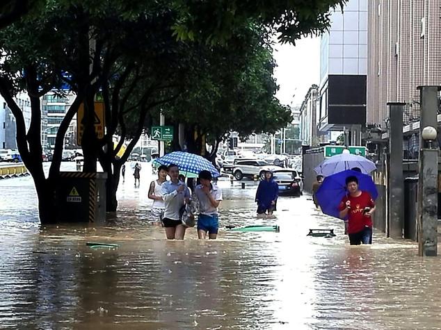 Tifone Megi in Cina, frana causa tre morti e 20 dispersi