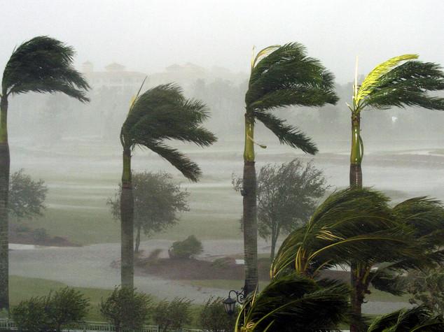 Uragano Matthew lascia Cuba, allerta in Florida