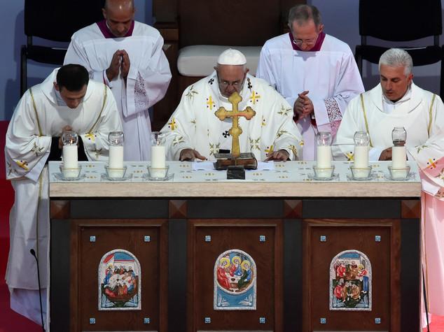 Papa in Georgia, ortodossi disertano messa