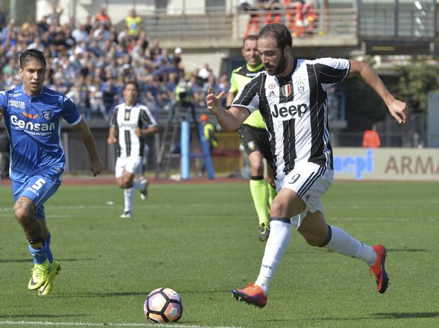 Empoli-Juventus 0-3, Dybala e doppio Higuain