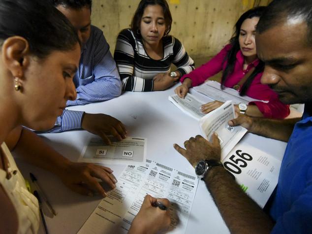 Colombia dice no all'accordo di pace con le Farc, 50,2% contrari