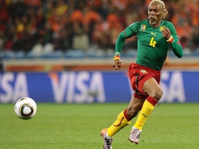 Camerun: ex calciatore Song colpito da ictus, e' in coma