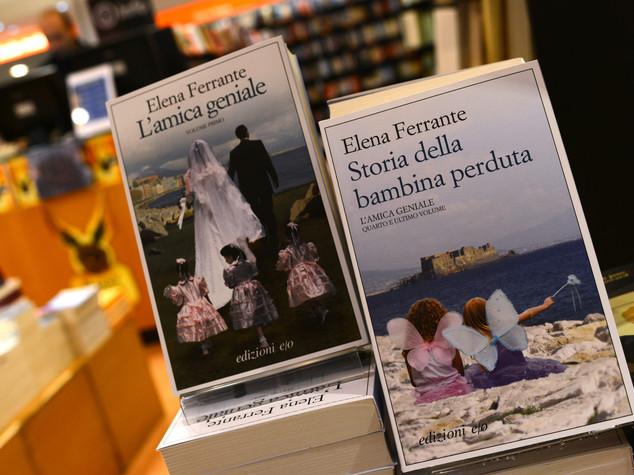 """Caso Ferrante appassiona pure la Bbc, """"come uno stupro"""""""