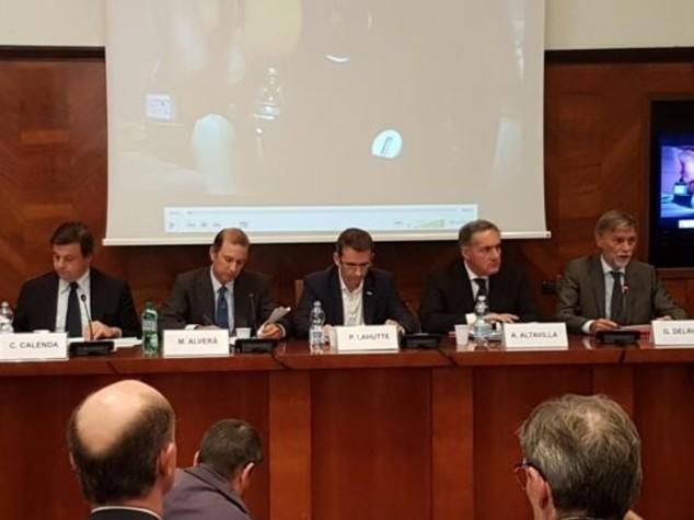 Auto: accordo Fca-Iveco-Snam per sviluppo metano carburante green