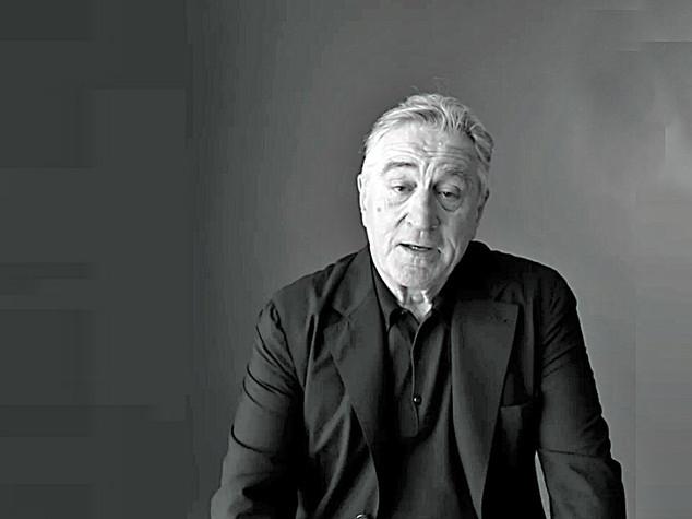 """De Niro scatenato contro Trump """"un maiale, lo prenderei a pugni"""""""