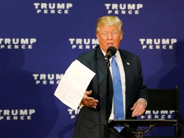 Trump sempre più solo, Pence lo affonda