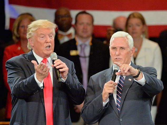 """Pence scarica Trump Lui """"Non mi ritiro"""""""