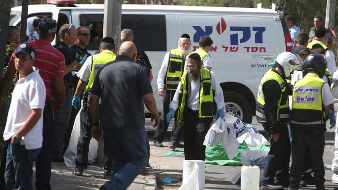 Attacco ai civili a Gerusalemme, due morti